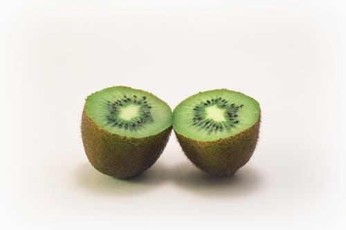 kiwi khane ke fayde कीवी खाने के फायदे की पूरी जानकारी